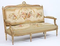 canapé louis salon en bois dore de style louis xvi composé d un canapé de quatre