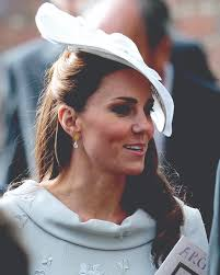 earrings kate middleton azuni kate middleton wears azuni london earrings and jewellery