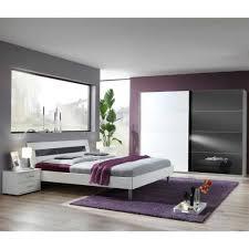 gemütliche innenarchitektur schöne schlafzimmer weiss rot schne