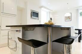 prise pour ilot central cuisine ilot central pour cuisine cuisine en l avec meubles en bois