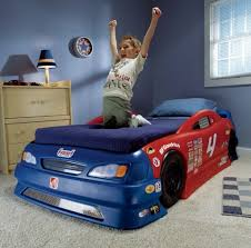 Little Tikes Race Car Bed Bedroom Mesmerizing Red And Blue Car Bed Plan For Kids Featuring