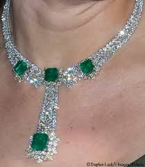 emerald earrings necklace images Duchess cambridge diamond emerald jewelry set archives what kate jpg