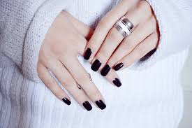 moiminnie burgundy nails