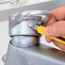 joint robinet cuisine r parer un mitigeur qui fuit la base et changer sa cartouche joint