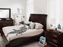 Quirky Bedroom Furniture by 6 Decor Tips To Make A Small Bedroom Look Bigger