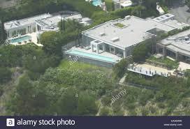 Leonardo Dicaprio Home jun 02 2003 hollywood ca usa big name bachelors leonardo