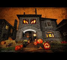 Decorated Homes 11 Craziest Halloween Decorated Homes Spooky House House And