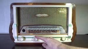 avec radio lificateur de guitare à les avec une ancienne radio gody