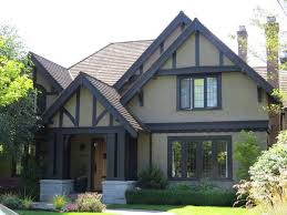 Small House Exterior Paint Schemes by Best 25 Stucco House Colors Ideas On Pinterest Diy Exterior