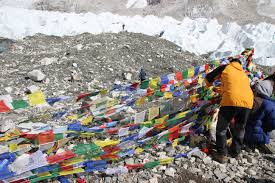 Prayer Flags Putting Up Prayer Flags At Everest Base Camp The Trek To Everest