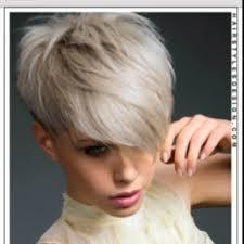 trisha yearwood short shaggy hairstyle 34 best účesy images on pinterest shorter hair hairstyle short