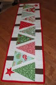 holiday table runner ideas sewcial stash christmas table runner craft ideas pinterest