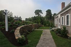 Retaining Wall Ideas For Sloped Backyard Design Retaining Wall Shock 16 Deptrai Co