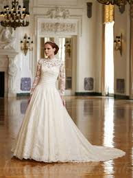 a line vintage satin and lace wedding dress with sweetheart