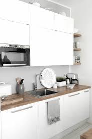 cuisiner avec un micro onde 53 variantes pour les cuisines blanches kitchens interiors and