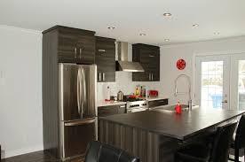 cuisine avec fenetre cuisine avec porte fenetre finest cuisine moderne avec porte