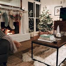 christmas decoration ideas for apartments 50 cheap and easy christmas apartment decorating ideas roomodeling