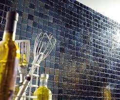 mosaique autocollante pour cuisine carrelage adhésif une rénovation facile mosaique adhesive