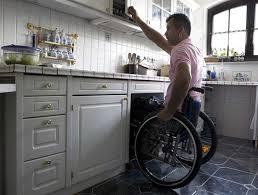 cuisine handicap des cuisines conçues pour les personnes mr bricolage on peut