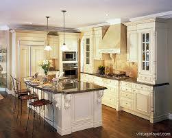 Floor To Ceiling Cabinets For Kitchen 29 Classic Kitchens With Traditional And Antique Cabinets