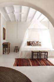 Spa Bedroom Decorating Ideas by Best 25 Mediterranean Bedroom Ideas On Pinterest Ethnic Bedroom