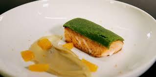 la cuisine de norbert saumon en croûte d herbes de norbert facile recette sur cuisine