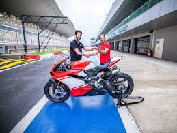 ducati motorcycle india u0027s only ducati 1299 superleggera sold out priced at inr 1 12