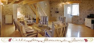 chambre d h es jura chalet jurassien pierres et bois 2 3 4 5 à villette lès arbois