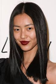 long hairstyles layered part in the middle hairstyle liu wen s middle part sleek and straight hairstyle wedding