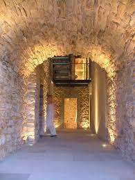 muro de piedra stone walls stone arch hallway torre moravola
