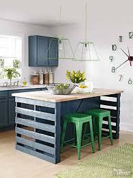 ilot centrale de cuisine îlot central en palette 32 idées diy pour customiser sa cuisine