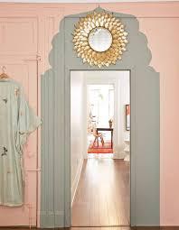 customiser une porte de chambre décorer une porte comment décorer une porte avec de la peinture