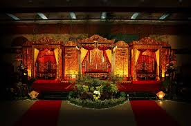 soma sengupta indian wedding decorations towering red u0026 gold