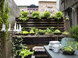 Garden Ideas For Small Spaces Small Garden Landscape Ideas Aynova Club