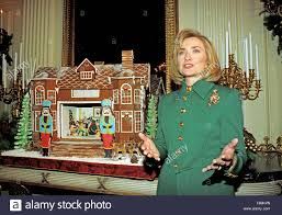 Hillary Clintons House First Lady Hillary Rodham Clinton Guides Members Of The Press