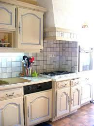repeindre cuisine refaire sa cuisine rustique top repeindre vieille cuisine gallery of