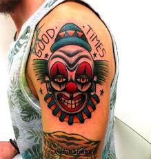 25 trendige clown tattoo ideen auf pinterest clown tattoo