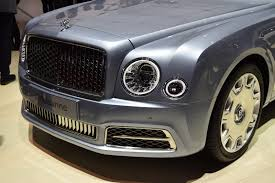 2017 bentley mulsanne shows its new face in geneva