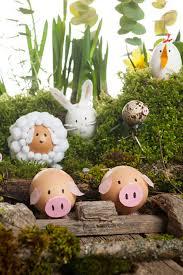 Decorating Easter Eggs by Decorating Easter Eggs