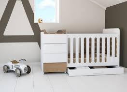 chambre évolutive bébé lit bébé évolutif mini modular natur de alondra lit évolutif en