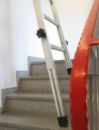 leiter f r treppe treppenhausleiter steht auf jeder treppe spezialleitern leitern