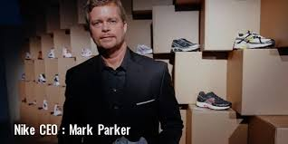 who is the owner of company nike profile history founder founded ceo footwear