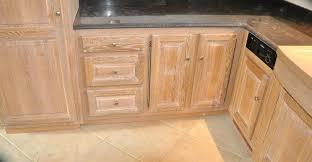 cuisine blanc cérusé armoire ceruse blanc nouveau look pour mon meuble dentrace meuble