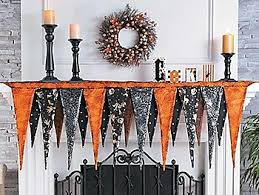 the halloween store 5 000 costumes decorations candy craft items