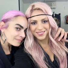 what color is shakira s hair 2015 shakira dyes her locks pink and other stars getting bright colour