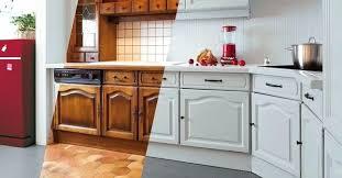 peindre cuisine chene repeindre une cuisine en chene vernis meuble 2 quelle lzzy co
