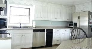 Install Backsplash In Kitchen How To Instal Backsplash In Kitchen How To Tile A Kitchen Install