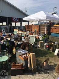 how to shop flea markets for cheap home decor refresh living