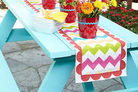 zig zag table runner zigzag table runner picnic table runner ideas easternpoint