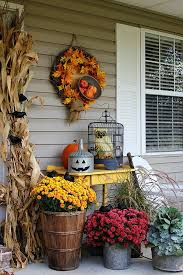 57 cozy thanksgiving porch décor ideas digsdigs